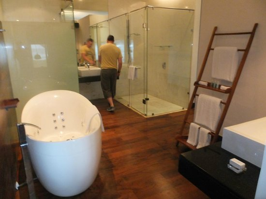 The Fortress Resort & Spa : bathroom to die for