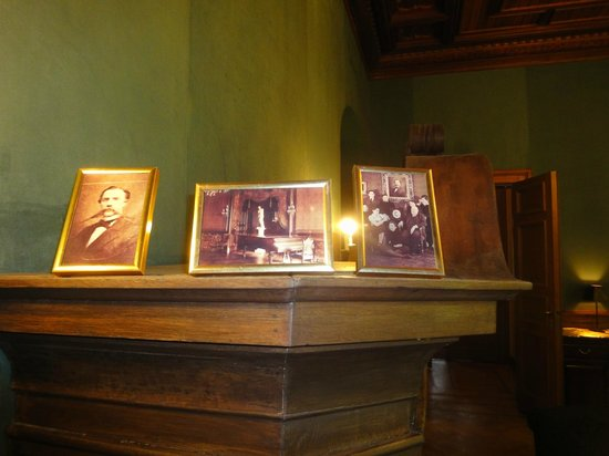 Europa Royale Riga: Элементы дизайна у ресторанной зоны