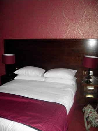 The Briar Rose Hotel: Double Bed
