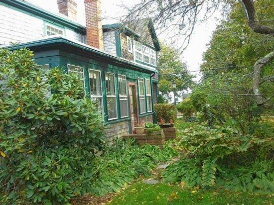 side Snug Cottage