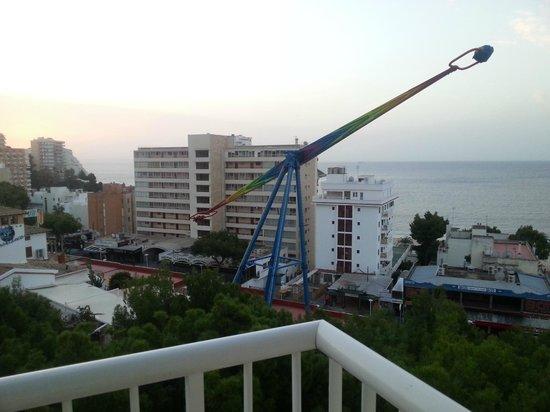 Vistasol Hotel & Apartamentos : View of Beach