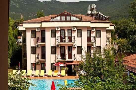 Ozturk Hotel Hisaronu: HOTEL BUILDING