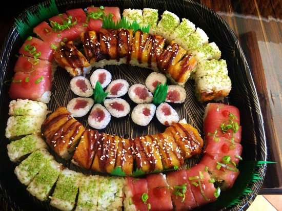 Dominical Sushi : This platter was served to a table of 6.  They liked it...