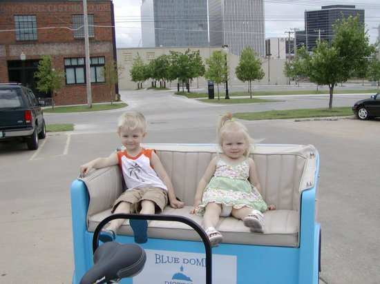 Tulsa Pedicabs Restaurant Tours : Pedicabs are really this much fun!
