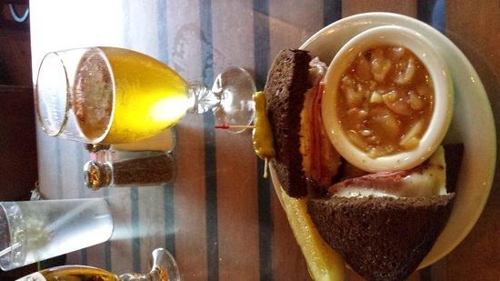 Auslander Restaurant: The Best Reuben Ever!
