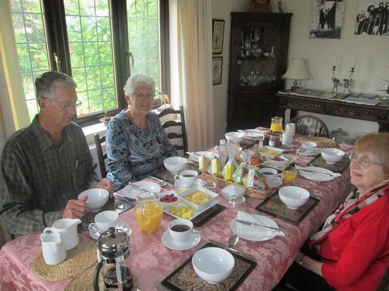 Woodlands Bed & Breakfast: Breakfast Room
