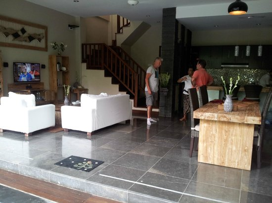 Lumbung Sari Cottages: Room/kitchen from terrace with manager and butler in the backround