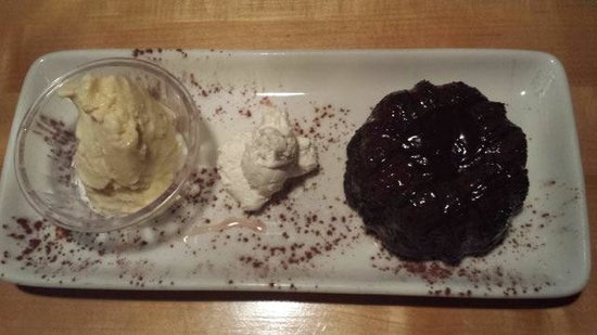 Norwoods Restaurant and Wine Shop: Dessert we shared