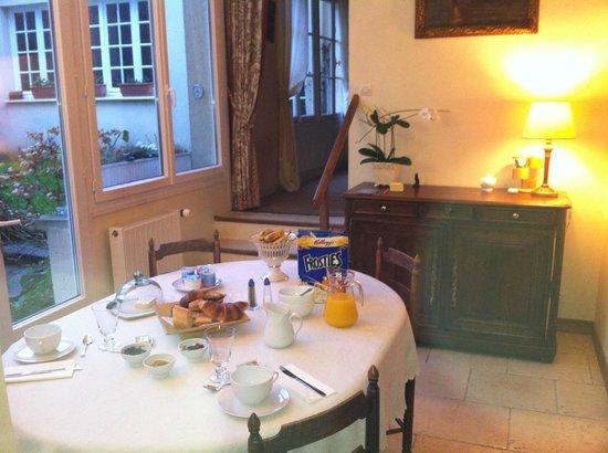 La Tour Louise: Breakfast room