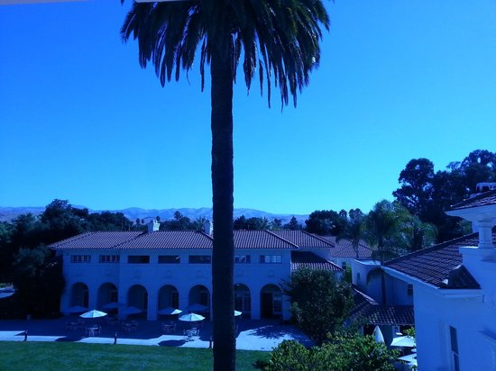 Dolce Hayes Mansion: View from our window, beautiful morning