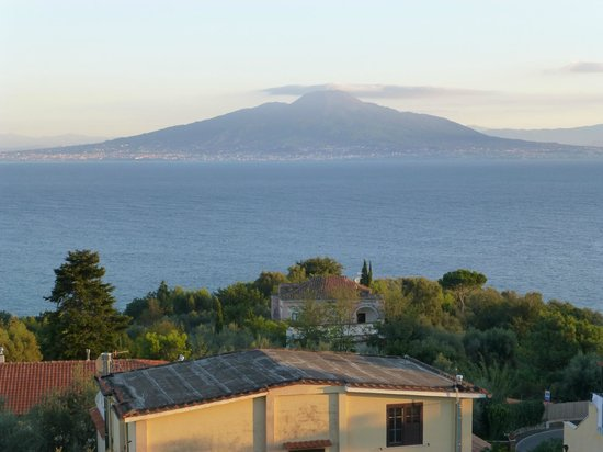 Grand Hotel Vesuvio : view from our room