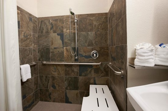 Microtel Inn & Suites by Wyndham Wilkes Barre: Bathroom