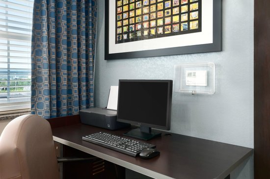 Microtel Inn & Suites by Wyndham Wilkes Barre: Business Center