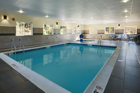 Microtel Inn & Suites by Wyndham Wilkes Barre: Pool/Spa