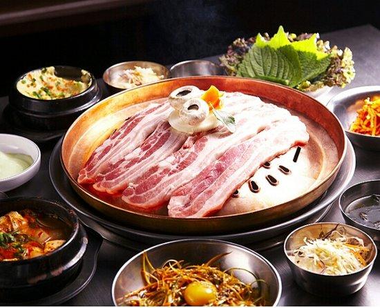 Sinpo Choigozip Gwangmyeong Cheolsan: Grilled Pork Belly-Sam Gyeop Sal