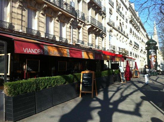 Hotel Napoleon Paris: Front of Hotel