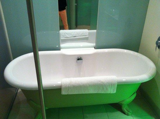 Le Meridien Vienna: Bathtub