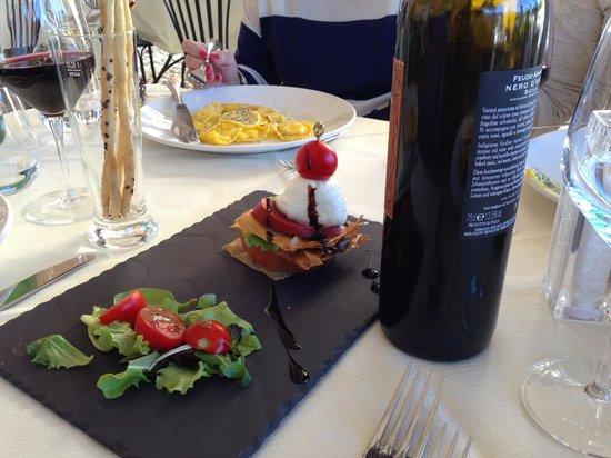 Locanda La Tirlindana: Antipasto-Caprese Salad