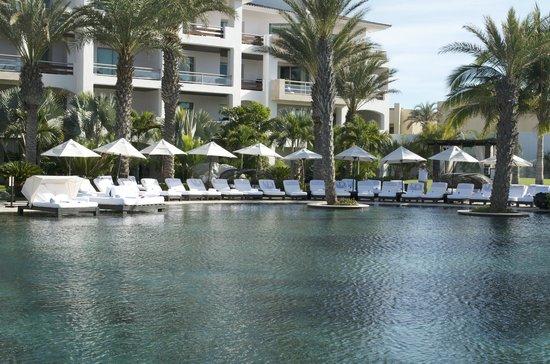 Cabo Azul Resort: Pool area