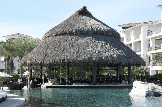 Cabo Azul Resort: Dining area under palapa