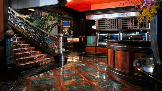 The Westin Houston Downtown: Vic & Anthony's Steakhouse
