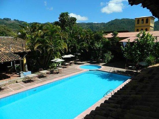 Valle de Angeles, Гондурас: Vista de las habitaciones del segundo nivel