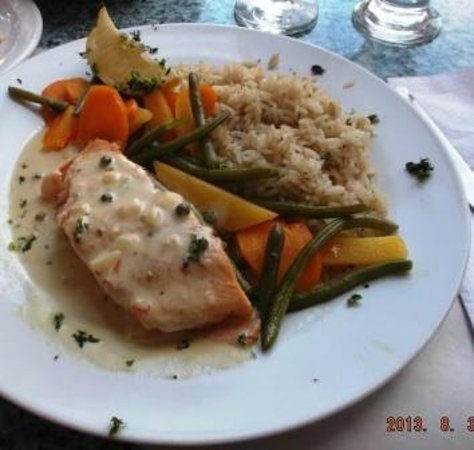 Restaurant Casablanca Francais: salmon dinner at Casa Blanca