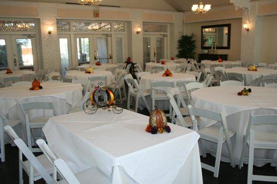 Sweetwater Branch Inn : McKenzie Hall reception area