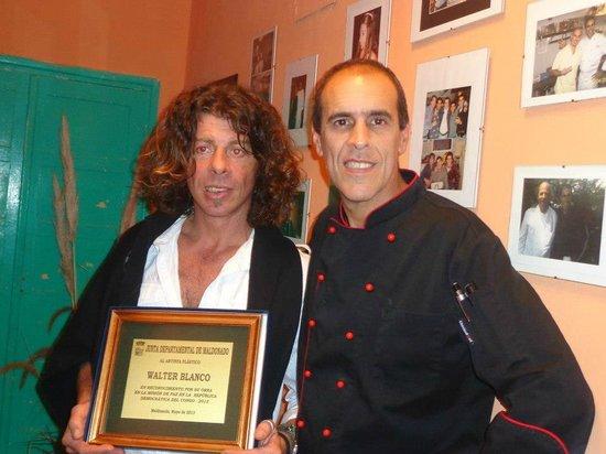 Mostaza Resto Tapas & Bar: CON EL MAESTRO DE PINTURAS WALTER BLANCO