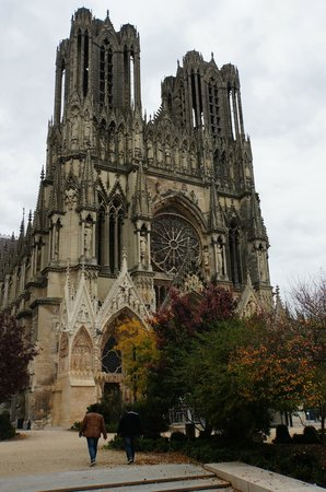 Campanile Reims Centre - Cathedrale: Notre-Dame de Reims Cathedral