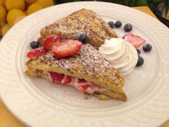 Hilton Garden Inn Tampa Ybor Historic District: French Toast Special
