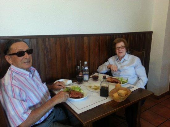 El Ciervo: Disfrutando de su paletilla de cordero asado
