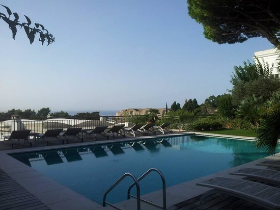 Hotel Canasta: Swimming pool of the Canasta hotel..