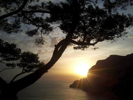 Hotel Canasta : Sunset in the enchanting Capri..