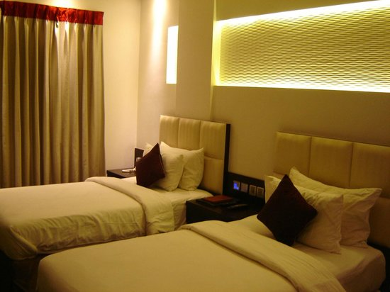 Grand Godwin Hotel: Double room, twin bed