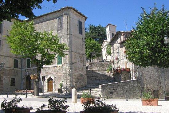 B&B Il Sorriso dei Monti: Piazza Garibaldi