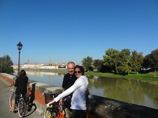 Italy Cruiser Bike Tours: overlooking the Arno