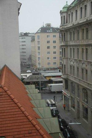 Hotel Beethoven Wien: Вид из нашего номера