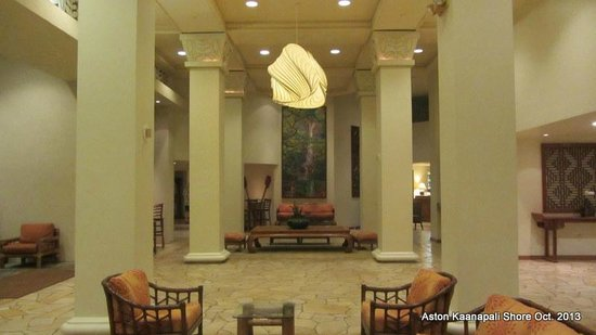 Aston Kaanapali Shores: A small section of the vast lobby.