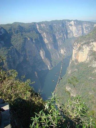 Sumidero Ecotourism Park: Cañón del Sumidero desde los miradores del parque.
