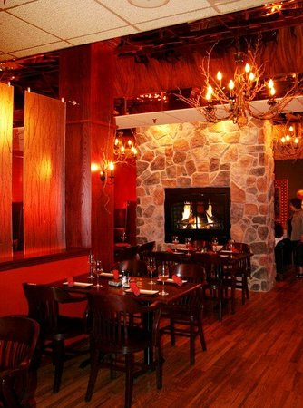 Centerstone Plaza Hotel Soldiers Field - Mayo Clinic Area : Twigs Tavern and Grille Dining