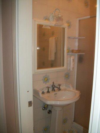 Hotel Amleto: Banheiro da suíte