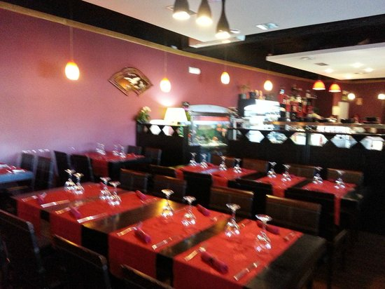 Wok Sunday : Inside view of the restaurant