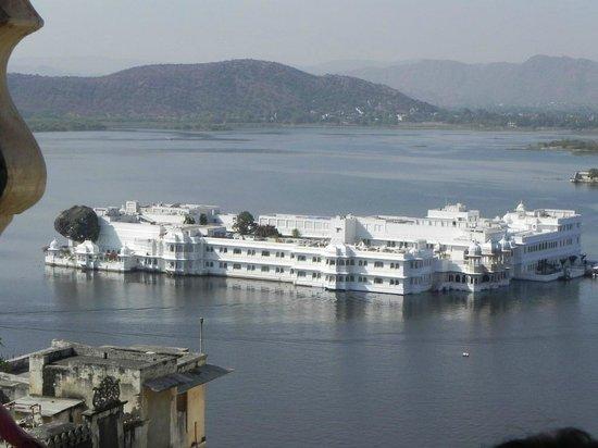 Deep Palace Hotel: Lake Palace, Udaipur