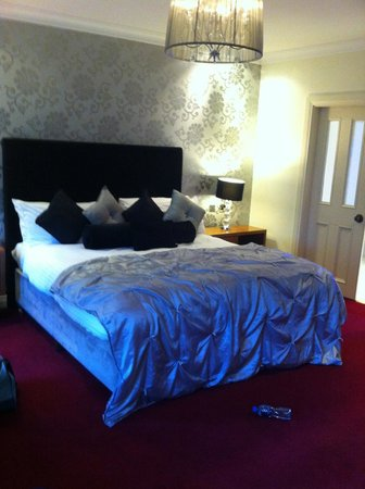 Headfort Arms Hotel: King bed
