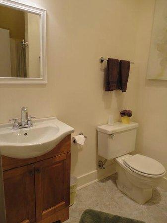 The Atrium : Bathroom