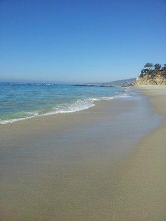 Casa Laguna Inn & Spa: Victoria Beach - 10 minutes walk