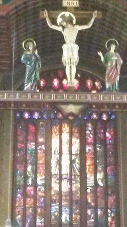 Mosteiro De Sao Bento: Vitral do altar