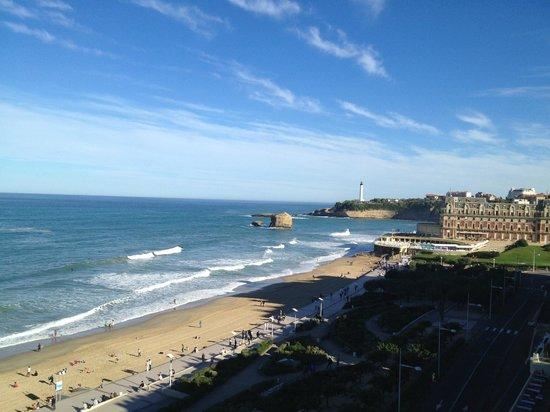 Le Windsor Grande Plage Biarritz : La magnifique vue depuis la chambre