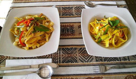 Restaurante Merienda: yummy pasta dishes on the table